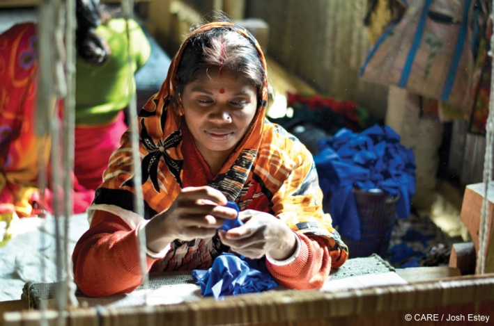 Anita Rani learned rug-making skills as part of a CARE empowerment programme in Bangladesh © CARE/Josh Estey